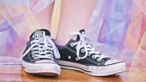 converse shoes: the iconic grunge style footwear