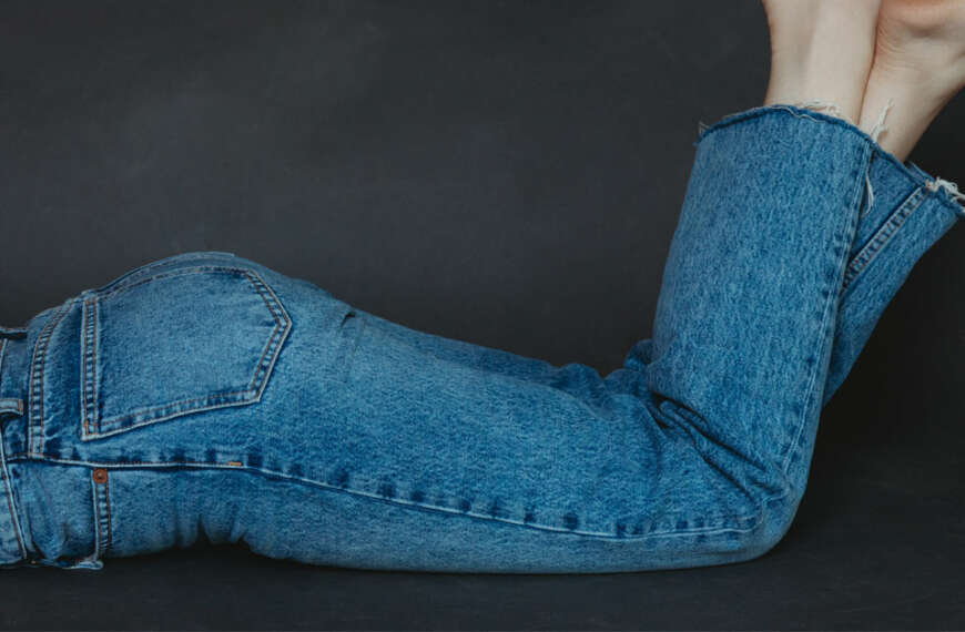 Mom Jeans vs Boyfriend Jeans: All You Need to Know